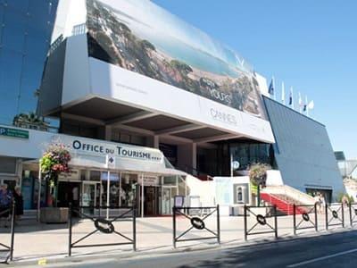 RESTRUCTURATION DE L'OFFICE DE TOURISME